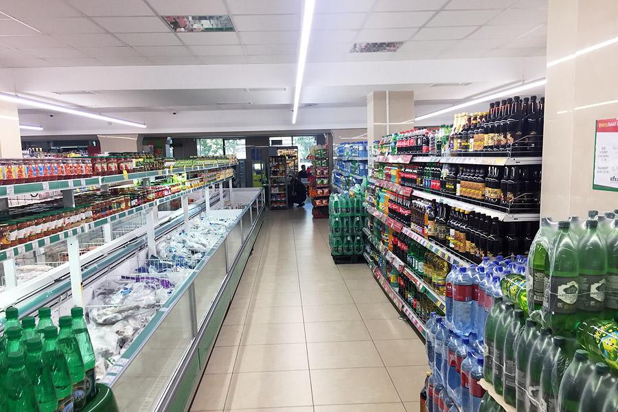 LED luminaires ledz e-Trade 100 CM eco installed in the store Nika in Titov street
