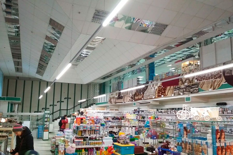 In the shopping center in Minsk, the lighting was changed to the Belarusian luminaires brand ledz