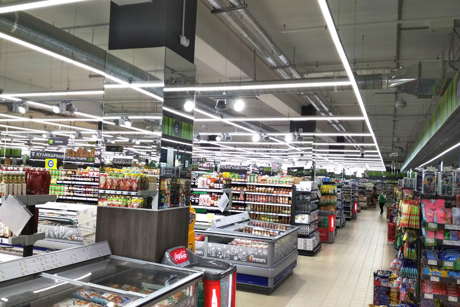 The group of companies 'elredy', which owns the production of trade lights 'ledz', and the contractor 'Vipseti' have done an excellent job of lighting the hypermarket Green